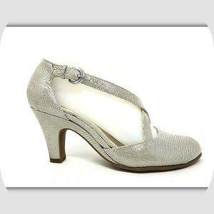 NEW AEROSOLES Paperback Strappy Leather Heels